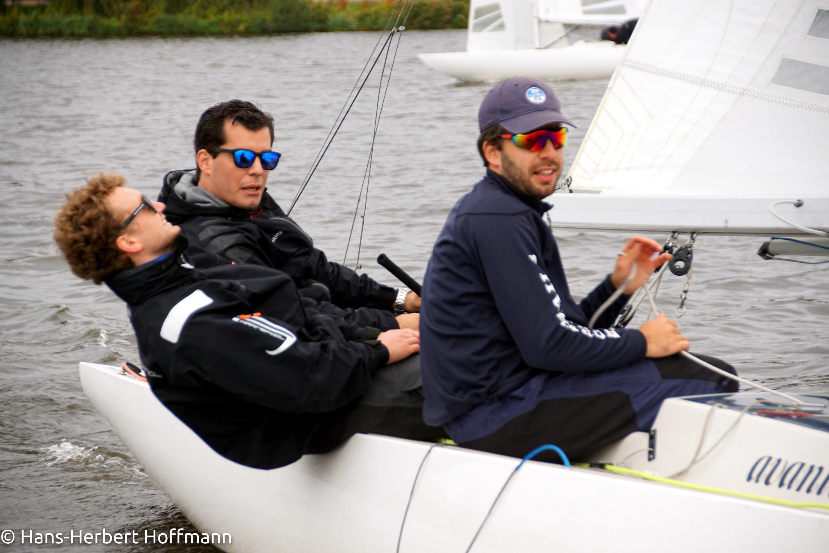 Die Sieger auf der Bahn - Mitja & Miklas Meyer, Mitschiff Lennart Grambow.