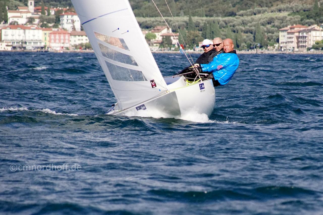 DSC03115cns Ingo Bow Upwind